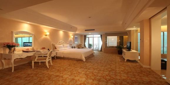 是泰州市唯一纯欧式五星级标准的温泉度假型酒店