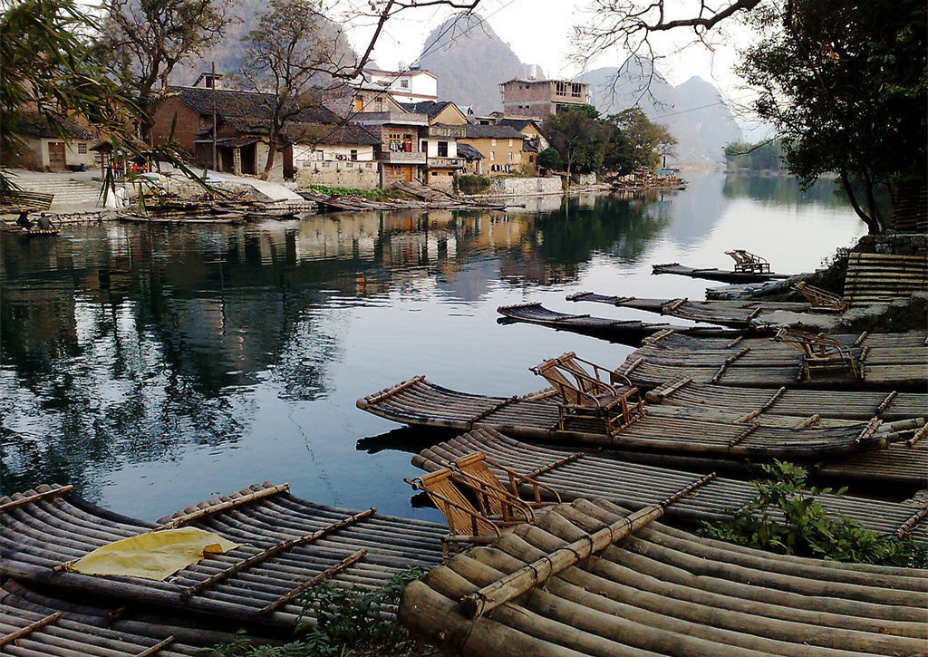 """遇龙河是漓江在阳朔境内最长的一条支流,人称""""小漓江"""".图片"""
