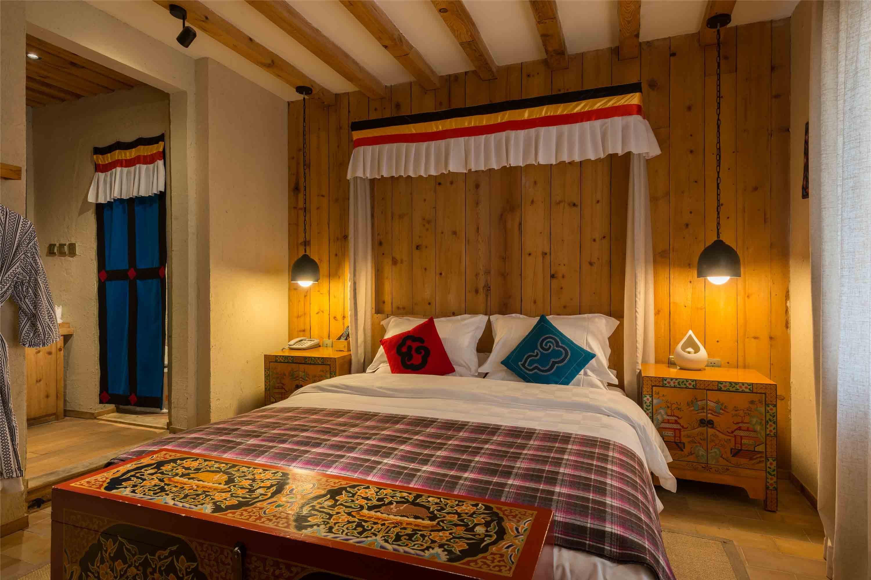 背景墙 房间 家居 酒店 设计 卧室 卧室装修 现代 装修 3000_2000图片