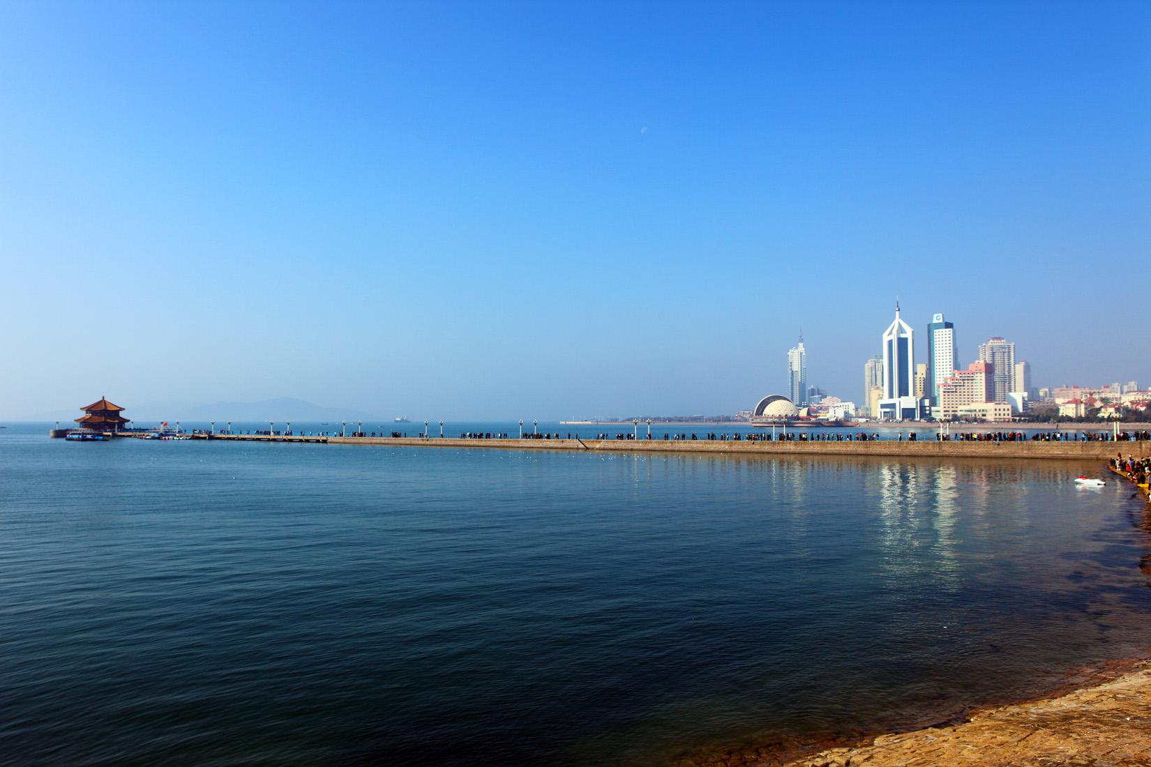 赠送两大海水浴场 金沙滩海水浴场 烟台国际海水浴场,让您尽情享受