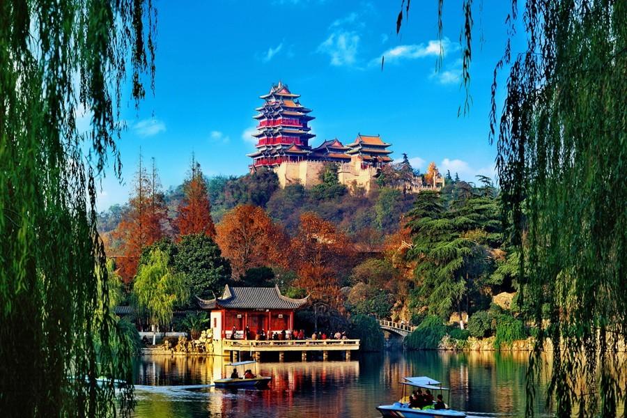 抓住假期的尾巴!来省内最好玩的特色小镇叹异域美景_手机网易网